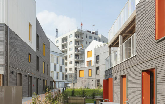 WOOD CLADDING FOR 28-UNIT HOUSING : THE PB5 BLOCK IN THE ECO-NEIGHBOURHOOD OF THE ILE DE SAINT DENIS (93)