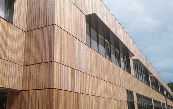 Bardage bois sur-mesure du lycée de Carquefou – (Loire Atlantique – 44)