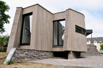 Bardage bois en Western Red Cedar, gris contemporain